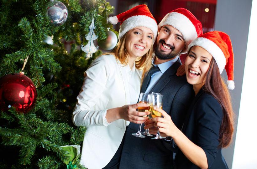 Firmenevent Weihnachtsfeier.Weihnachtsfeier Im Büro Knigge Tipps Für Das Firmenevent Instaffo